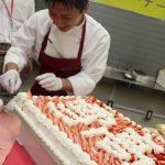 40期 藤川さん 今年もケーキカットに来て下さいました。